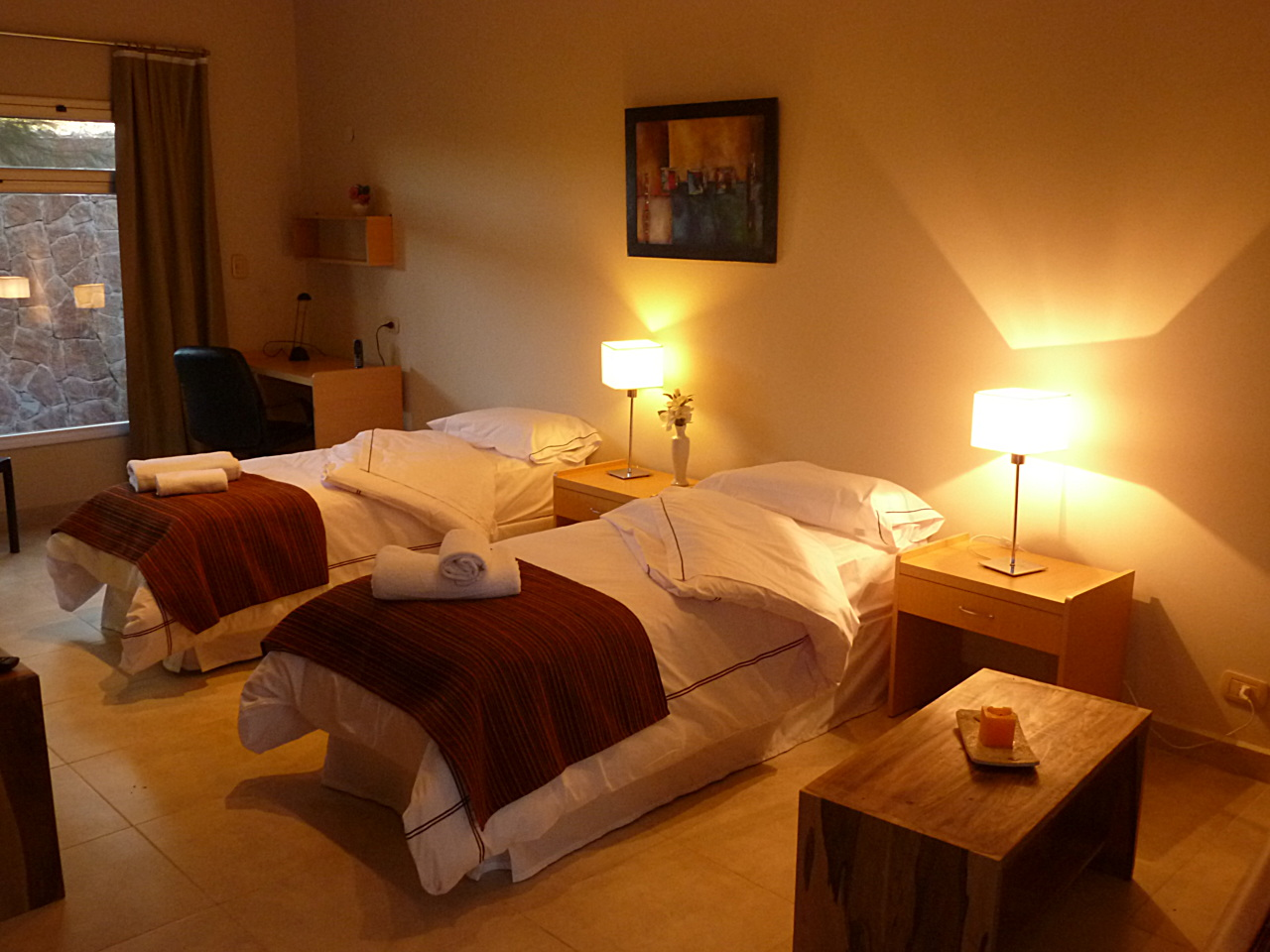 room suites 2 people twin beds