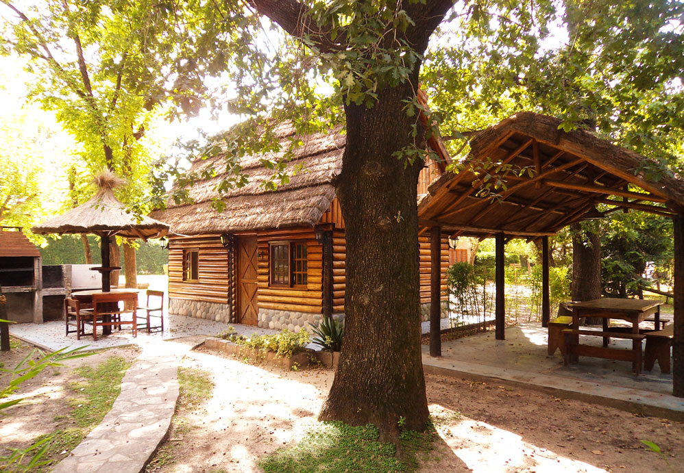 cabins for 6 persons with barbecue and pool
